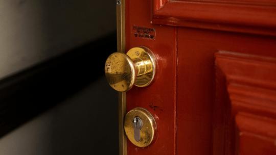Undgå indbrud i julen – Få tjek på dine låse