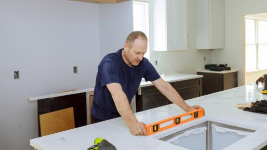 Hvordan klarer jeg bedst en ombygning i mit køkken